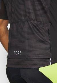 Gore Wear - GORE® C3 DESIGN TRIKOT - T-Shirt print - black - 5