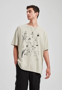 PULL&BEAR - T-shirt print - beige - 0