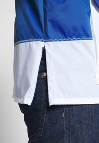Vans - ANORAK - Summer jacket - sodalite blue/white - 5