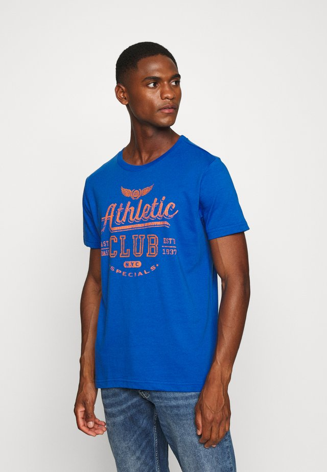 ATHLETIC CLUB FLOCK TEE - T-shirts med print - estate blue