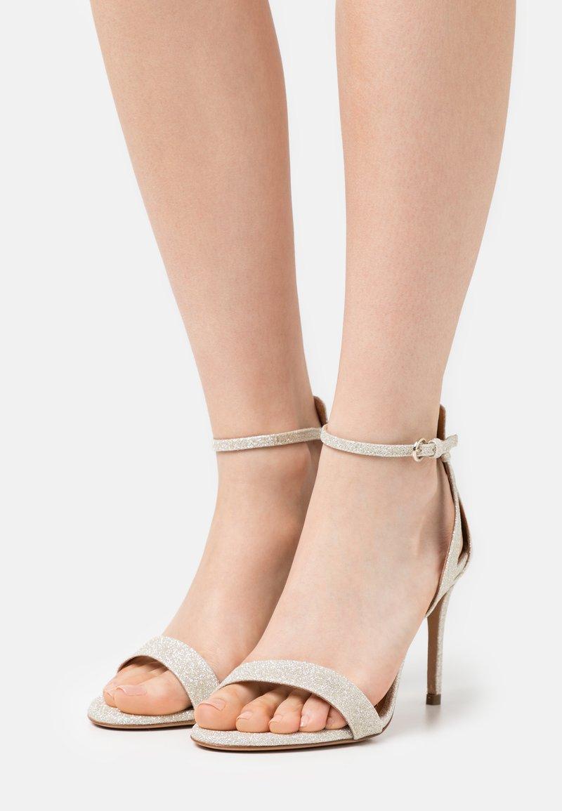 Pura Lopez - Sandalen - glitter platin