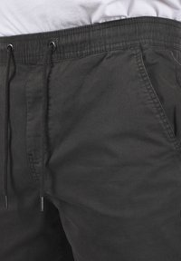 Solid - THEREON - Chinos - forged iron - 4
