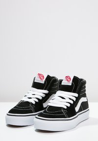 Vans - SK8 - Zapatillas altas - black/true white - 2
