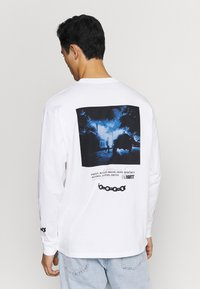 Carhartt WIP - TWISTED TRUTH  - Long sleeved top - white - 2