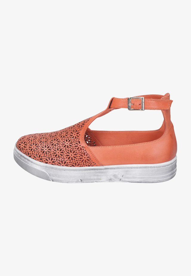 Slip-ons - orange