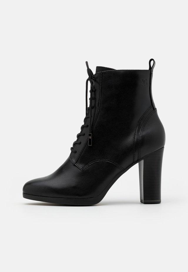 BOOTS - Korolliset nilkkurit - black