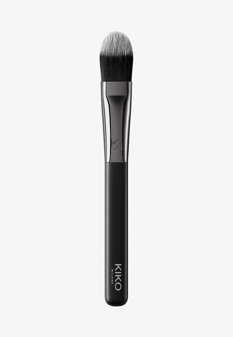 KIKO Milano - FACE 03 FLAT FOUNDATION BRUSH - Makeup brush - -