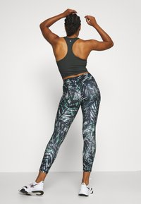 Sweaty Betty - CONTOUR WORKOUT LEGGINGS - Legging - beetle blue - 2