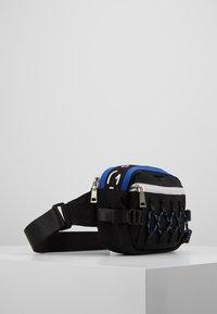 Hikari - CLIMBERS BUM BAG - Ledvinka - black/blue - 3