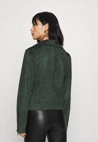 VILA PETITE - VIFADDY JACKET - Faux leather jacket - darkest spruce - 2