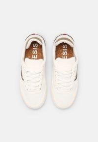 Genesis - G-SOLEY UNISEX - Sneakers basse - white/khaki/black - 3
