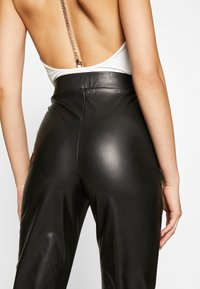 Nly by Nelly - ON POINT PANTS - Leggings - black - 4