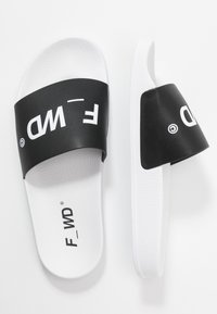 F_WD - Pantofle - white/black - 3