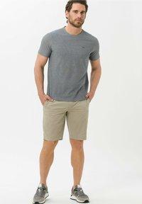 BRAX - Basic T-shirt - marine - 1