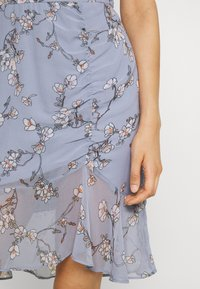 Nly by Nelly - RUCHED FLOUNCE DRESS - Juhlamekko - multi-coloured - 4