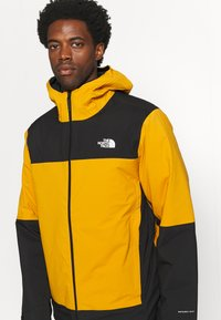 The North Face - MOUNTAIN LIGHT TRICLIMATE JACKET - Down jacket - citrine yellow/black - 4