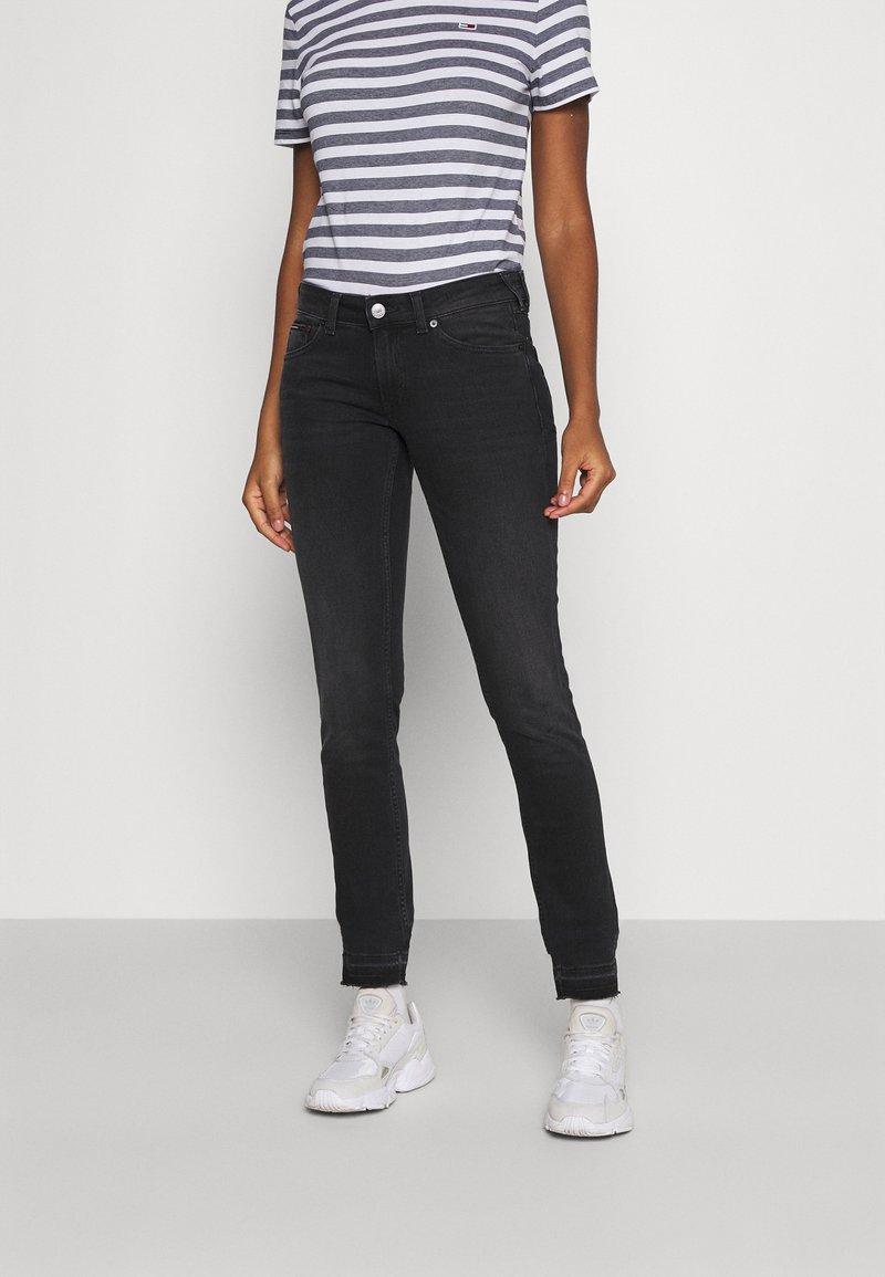 Tommy Jeans - SOPHIE SKINNY ANKLE - Jeans Skinny - ceasar black