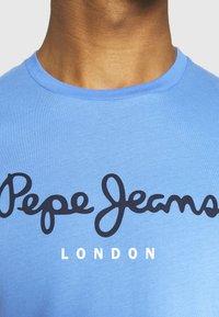 Pepe Jeans - EGGO  - T-shirt med print - bright blue - 5