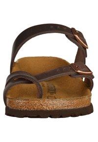 Birkenstock - Sandalias planas - brown - 5