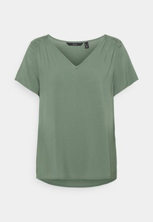 VMNADS SHOULDER FRILL - T-shirt basic - laurel wreath