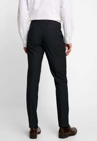 Esprit Collection - FESTIVE  - Garnitur - black - 5