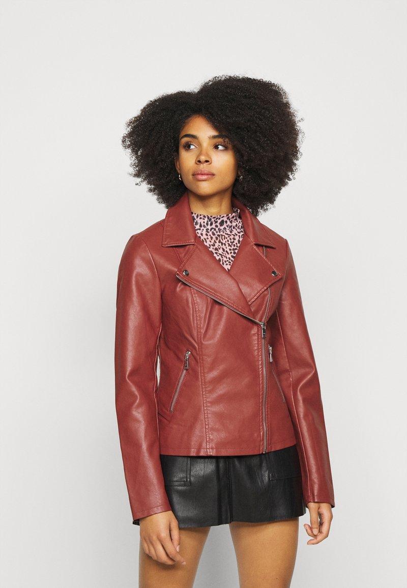 ONLY Petite - ONLMELISA BIKER - Faux leather jacket - red ochre