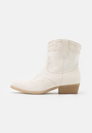 WEST - Cowboy/biker ankle boot - off white