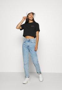 Ellesse - CURVA - Print T-shirt - black - 1