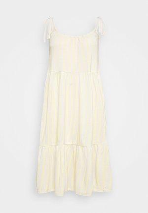 VMVALMA BELOW KNEE DRESS - Denní šaty - beige