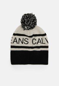 Calvin Klein Jeans - INSTITUTIONAL LOGO BEANIE UNISEX - Beanie - black - 1