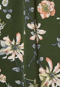 ONLY - ONLNOVA LUX LONG SKIRT  - Maxiskjørt - ponderosa pine/blossom green - 2