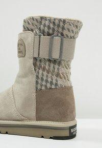 Sorel - NEWBIE - Winter boots - silver sage - 5