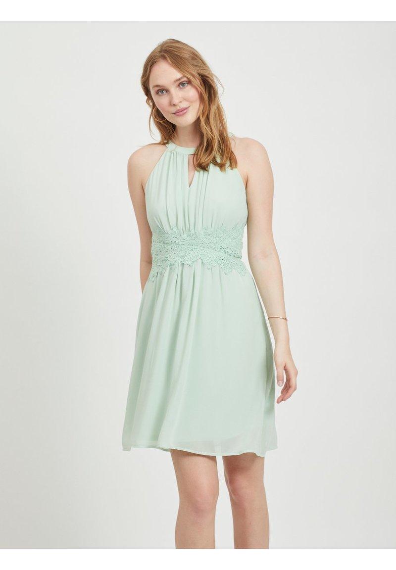 Vila - VIMILINA - Sukienka letnia - cameo green