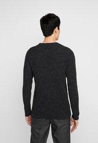 Selected Homme - SHXNEWVINCEBUBBLE CREW NECK - Stickad tröja - antracit/black - 2