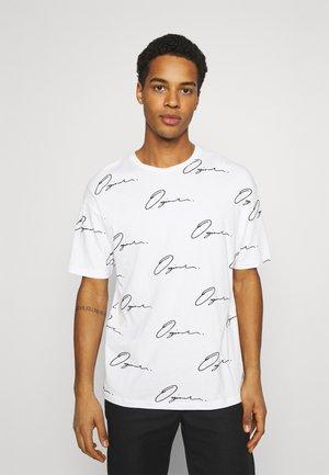 JORSCRIPTT TEE CREW NECK - Print T-shirt - white