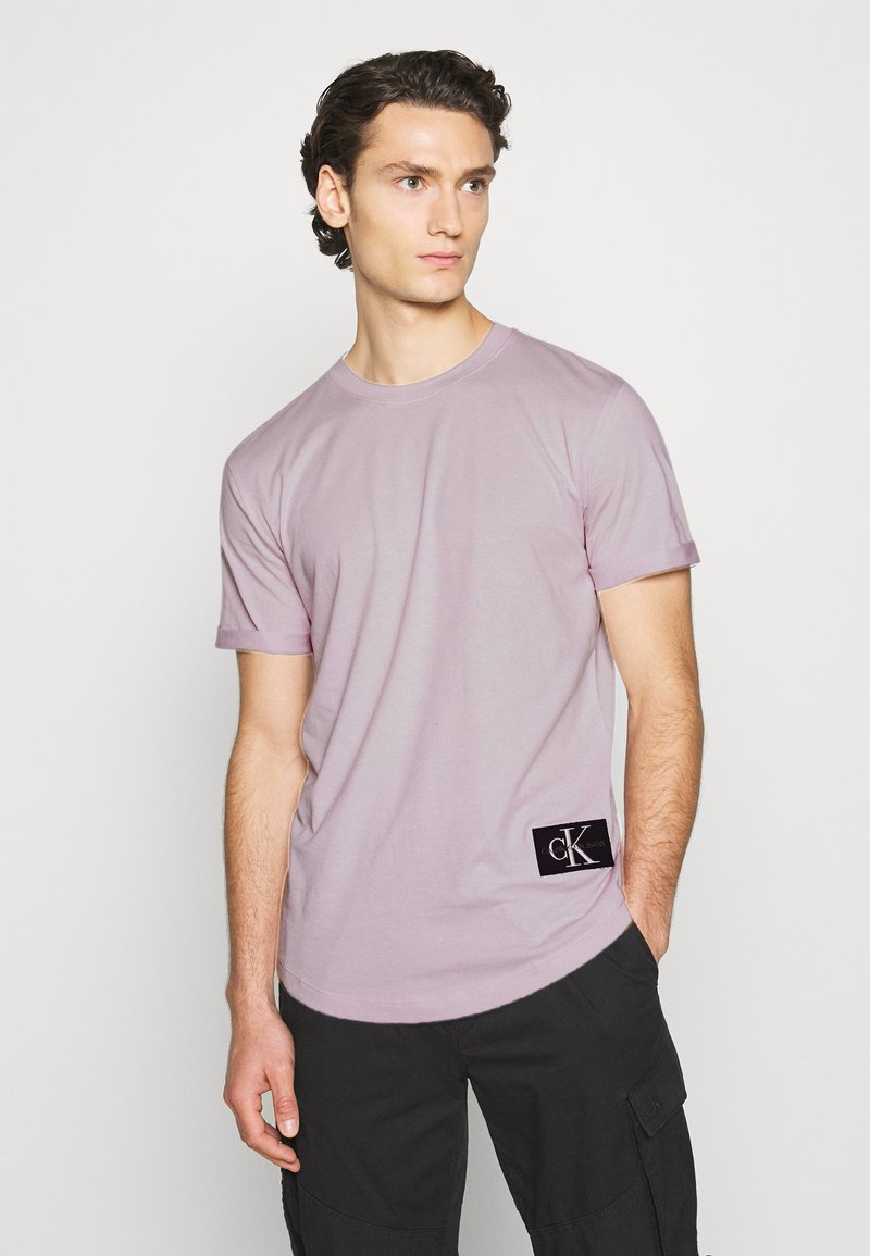 Calvin Klein Jeans - BADGE TURN UP SLEEVE - Print T-shirt - orchid hush