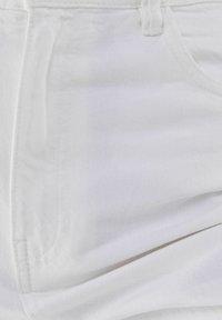Bershka - Fließende - Široké džíny - white - 6