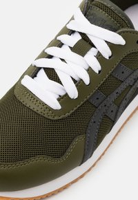 ASICS SportStyle - TIGER RUNNER UNISEX - Zapatillas - smog green/graphite grey