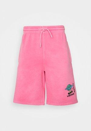 OVERDYE BRANDED - Short - pink
