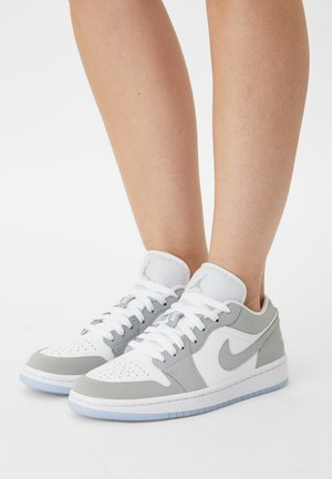 AIR 1 - Trainers - white/wolf grey/aluminum