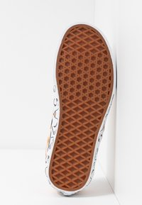Vans - CLASSIC - Loaferit/pistokkaat - nude/true white - 6