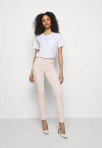 J Brand - MARIA HIGH RISE - Jeans Skinny Fit - prairiee - 1