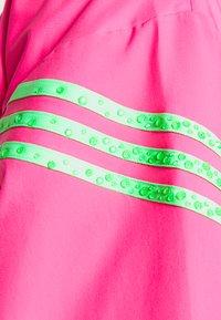 adidas Originals - SWAROVSKI TRACK  - Træningsjakker - solar pink - 7
