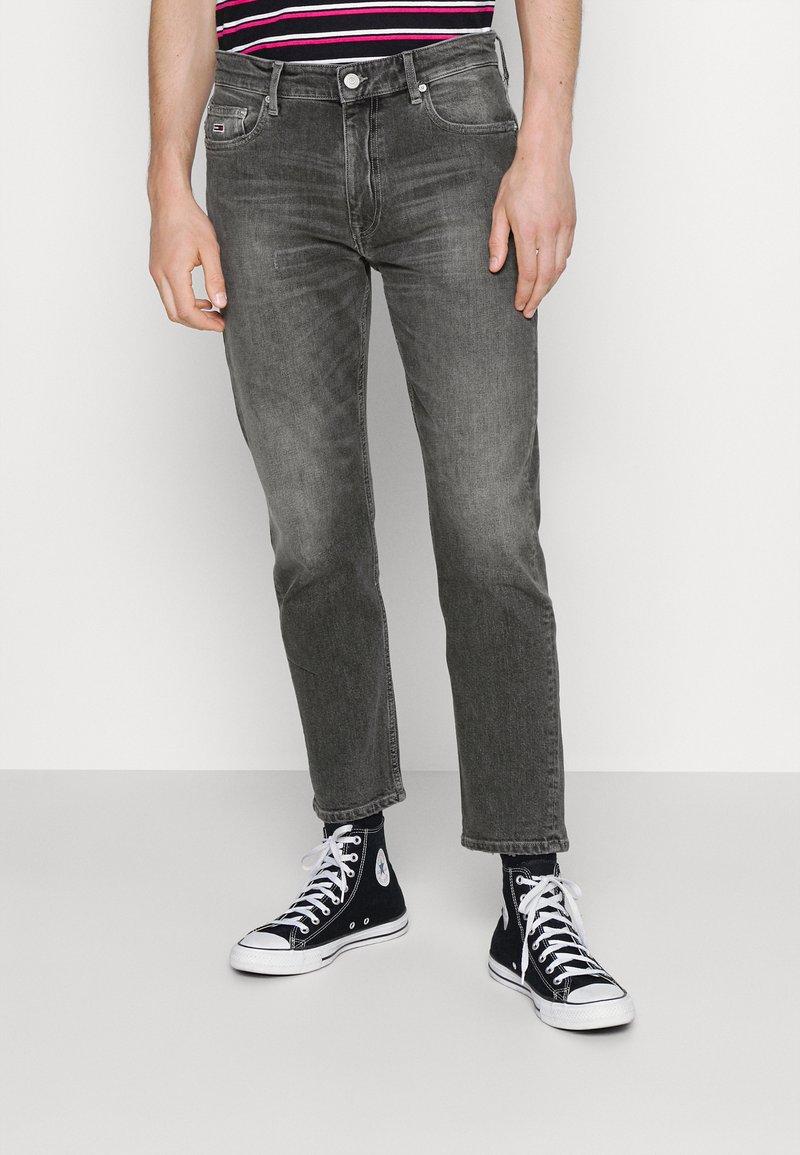 Tommy Jeans - DAD REGULAR - Straight leg jeans - denim
