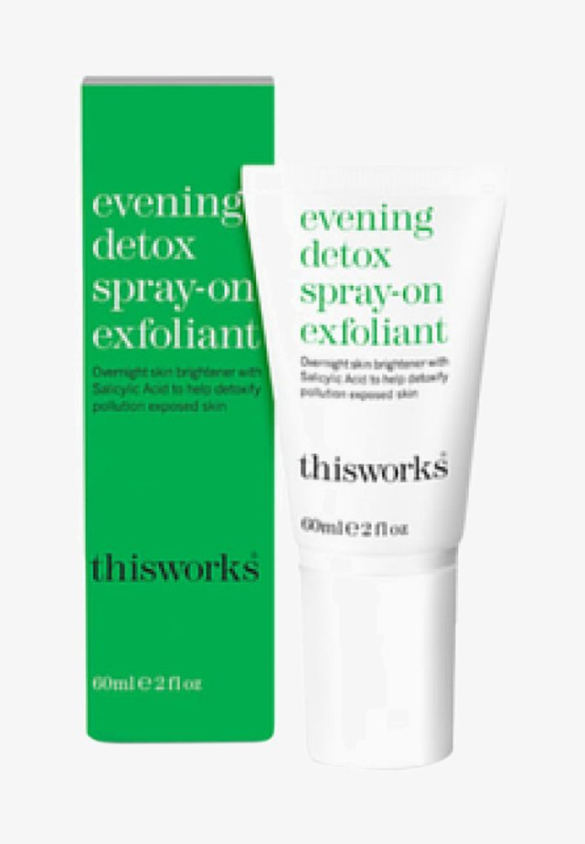 THIS WORKS EVENING DETOX SPRAY-ON EXFOLIANT - Night care - -
