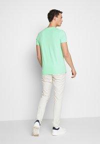 Tommy Hilfiger - T-shirt basic - green - 2