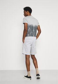 GAP - IN SOLID - Shorts - antique pewter - 2
