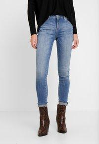 Esprit - SKINNY - Jeans Skinny Fit - blue light wash - 0