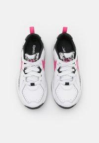 Reebok - RBK XEONA UNISEX - Scarpe da fitness - footwear white/true pink/core black - 3