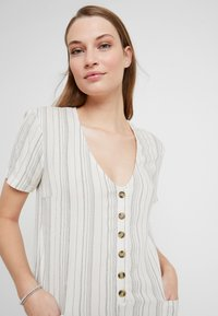 Topshop - STRIPE BUTTON - Beach accessory - cream - 3